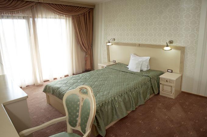 hotel016.jpg